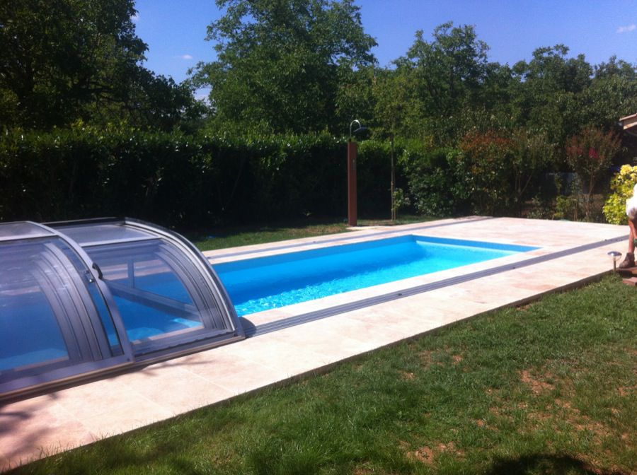 Piscine saint bonnet de mure for Piscine fond mobile sans cable